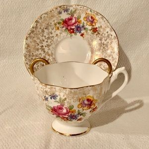 Queen Anne Fine China Teacup Saucer Floral Gold